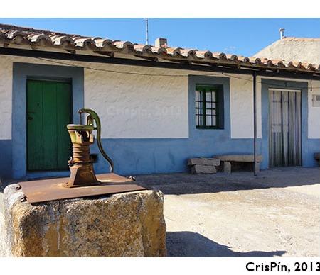 Fachada de vivienda en Almeida de Sayago