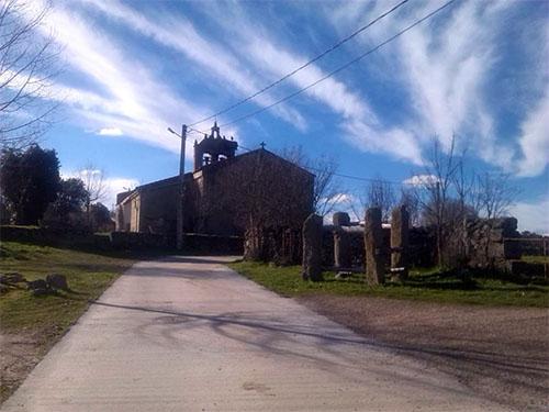 Iglesia y potro de Fadón de Sayago