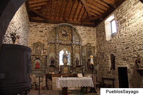 Altar mayor de la iglesia de Escuadro en la comarca de Sayago (Zamora)