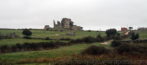 Vista del castillo de Asmesnal desde la ZA-305