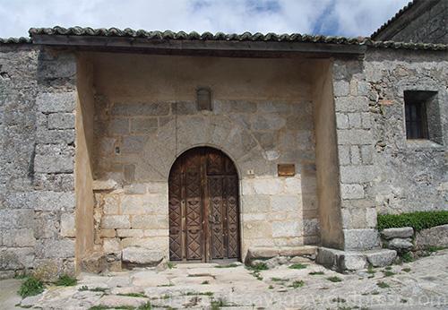 Entrada iglesia de Monumenta