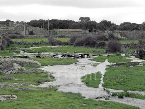 Vistas de la rivera de VIllamor desde el puente
