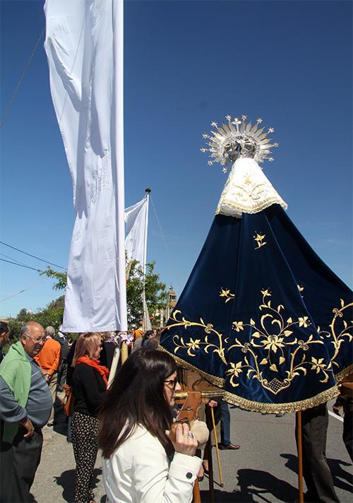 Manto bordado de la Virgen del Castillo de Fariza