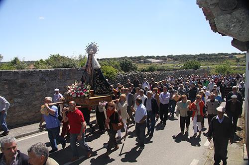 El pueblo de Fariza procesiona con su Virgen