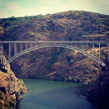 Puente Pino desde el camino cercano a la ermita