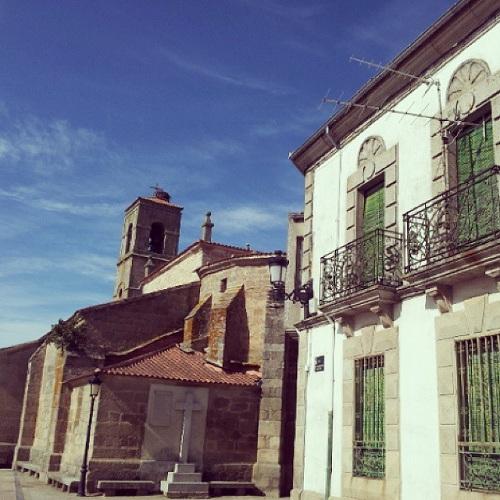 Plaza de la Iglesia o plaza de Agustín Carrascal en Bermillo de Sayago, Zamora