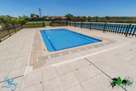 La piscina de Villadepera está abierta desde el 1 de julio / Foto: Facebook