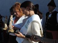 Las homenajeadas con una escultura de NUMA cerámica