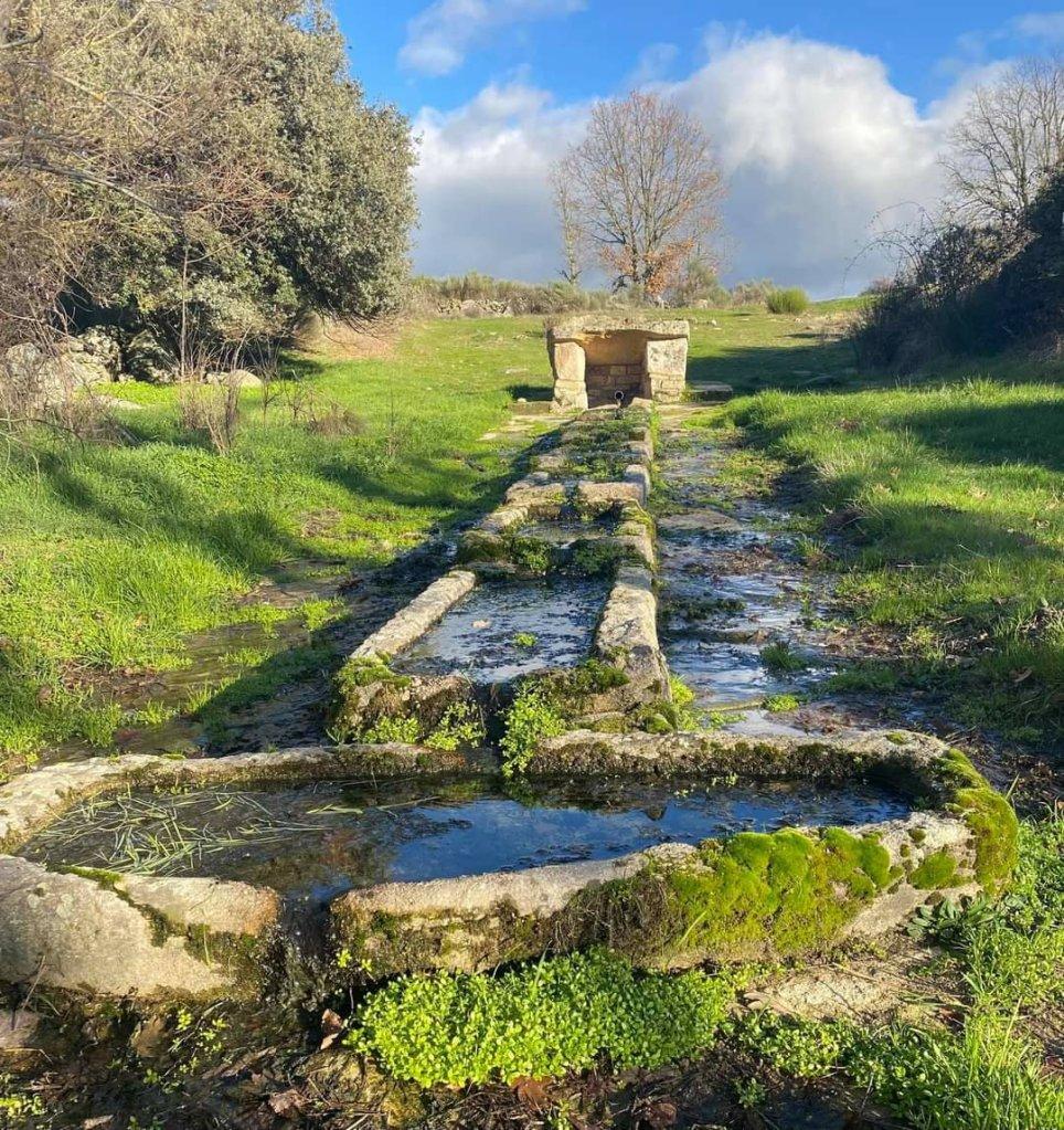 fuente carba el caño, formariz, paisaje tradicional, comarca de sayago, zamora, españa